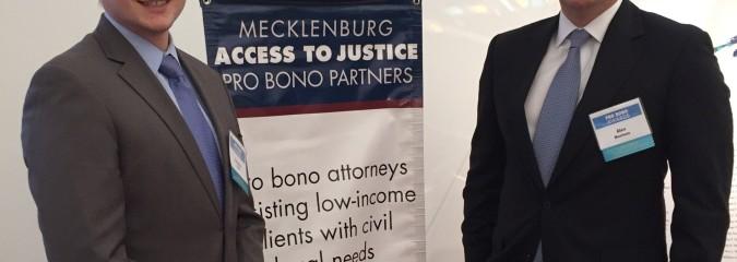 Nuestros abogados están siendo reconocidos por su participación en los servicios jurídicos pro bono