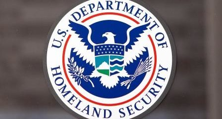 Agentes de ICE están haciendo arrestos en los tribunales