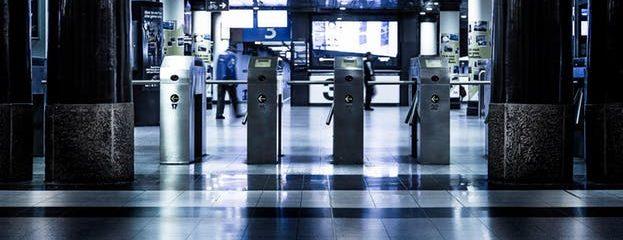 La nueva prohibición de viajes crece para incluir a ocho países